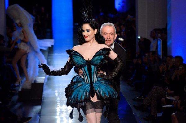 "Dita Von Teese ""en papillon"" pour JP Gaultier ----- Machiavel Fly"