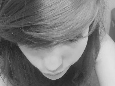 ♥ LAura ll 15 Ans ll Celiib' ll Ines ♥ Cherche meme pas a me test !
