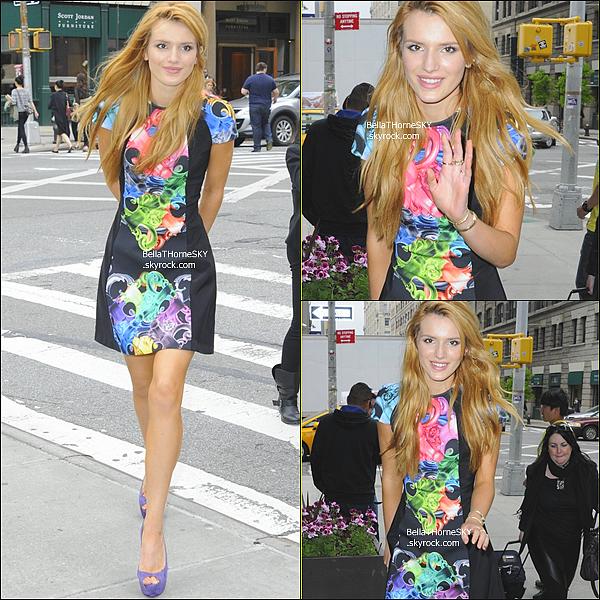 23/05/2014 : Bella a posé pour le magazine Women's Wear Daily. Je suis très déçue de sa tenue je trouve sa horrible mais bon... c'est donc un gros BOF ! Vos avis ??