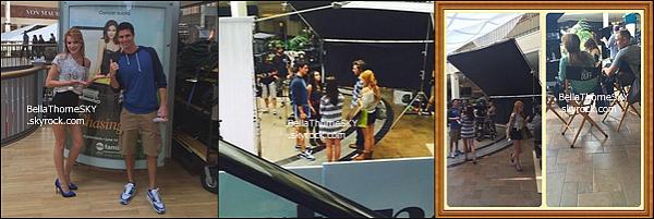 04/06/2014 : Bella et son casting tournaient une scène pour The Duff dans un centre commercial d'Atlana et les fans ont eut la chance de prendre quelques photos avec la miss.