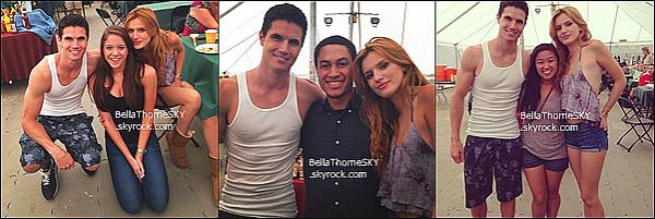 18/06/2014 : Voici quelques photos de Bella sur le tournage de The Duff avec le casting et des fans.