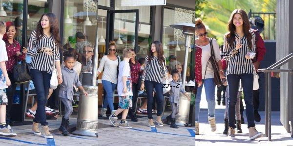 Zendaya a été vu quittant le Café Gratitude après avoir déjeuner avec des amis à Larchmont Village à Los Angeles, Le 16 Octobre 2012 ♥.