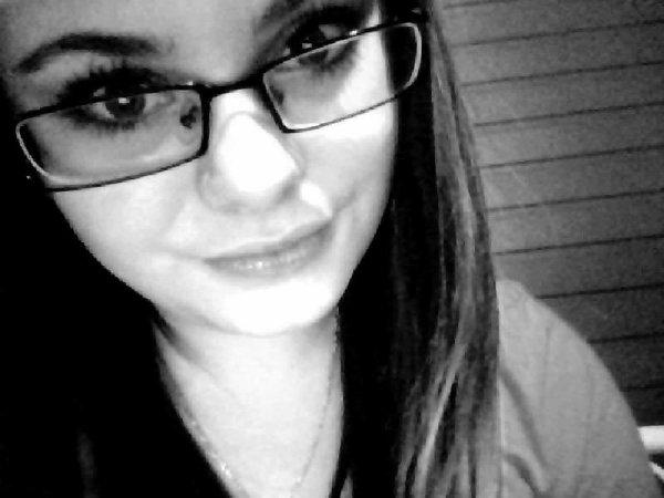 Des regards j'en ai croisé, mais c'est sur le tien que je suis restée accrochée..♥