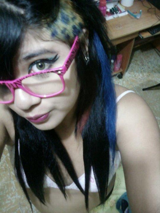 ce que je les aime mais lunette rose :)