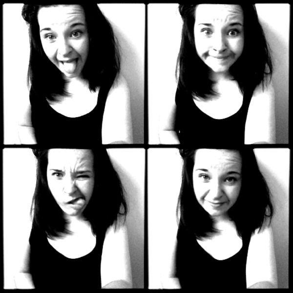 Si être folle , c'est être différente , alors j'assume ma différence.Biatch!