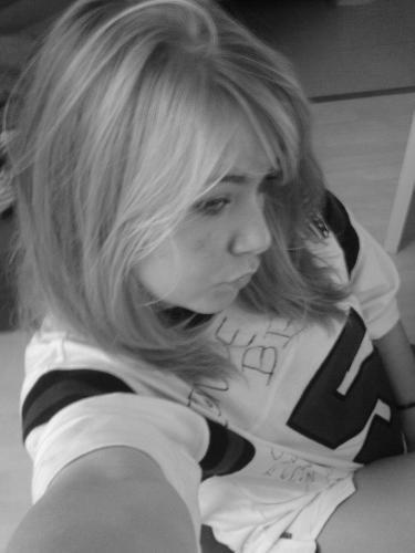 Blog de chalouxxx chalou a 16 ans for Sarah riani miroir miroir parole
