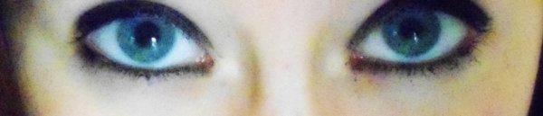 C'est dans les yeux qui se trouve le plus de sentiment. ♥