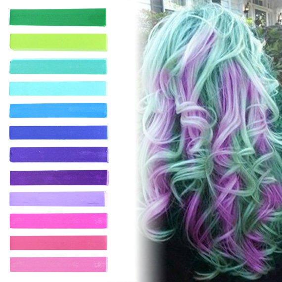 Hair chalk ! :3