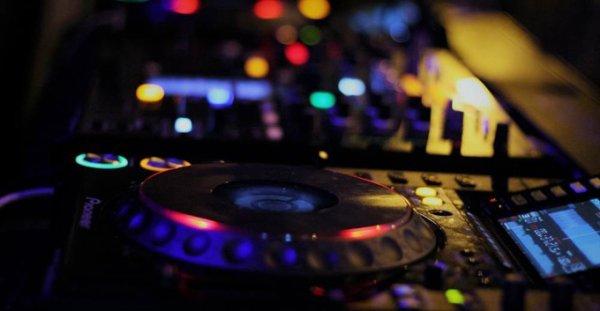 SB-DJ In the Mix : Découvrez ce Mix, le DJ-Mix #302