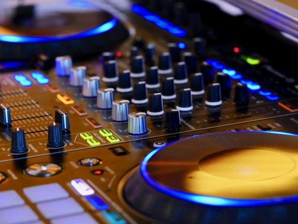 SB-DJ In the Mix : Découvrez ce Mix, le DJ-Mix #321