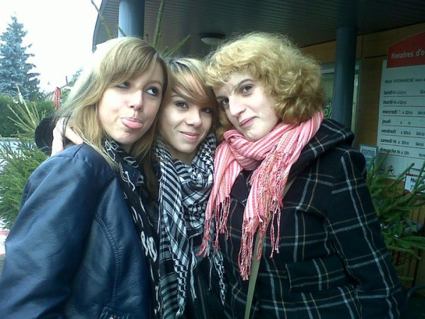 moii and elles<3<3