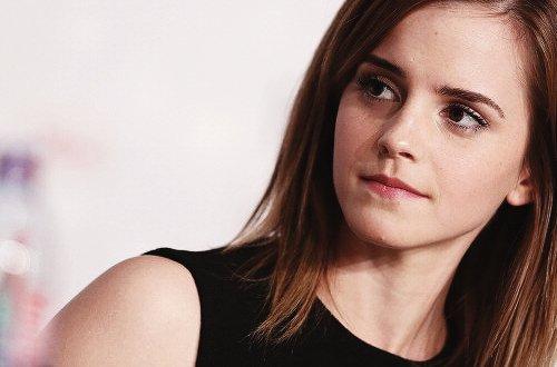 """""""Je viens juste de donner 4 interviews à Cannes sans me rendre compte que les bonbons que j'avais mangés m'ont donné la langue verte."""" Emma Watson"""