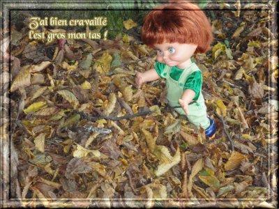 Sherri et les feuilles