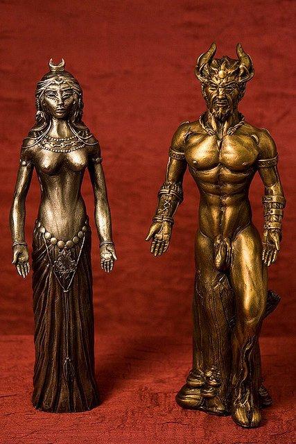 voici le dieux cornu et la grande déesse les dieux de la religion Wicca