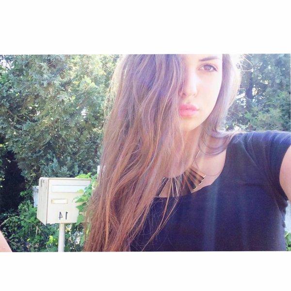 Moi : Selena ^^'