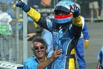 Hongrie 24 août 2003 - Fernando Alonso, vainqueur : Je l'ai dit souvent cette année, mais encore une fois, il s'agit du plus beau jour de ma vie. La voiture était parfaite, la stratégie également, et j'ai pu faire une course consistante. Nous avons eu des problèmes vendredi, mais l'écurie a travaillé dur pour les surmonter. De mon côté, je veux dire un grand merci à toute l'écurie, ici au circuit mais également à l'usine en France et en Angleterre. Je suis fier de courir pour Renault : leur offrir cette victoire, et devenir le premier pilote espagnol à gagner un Grand Prix, est fabuleux.