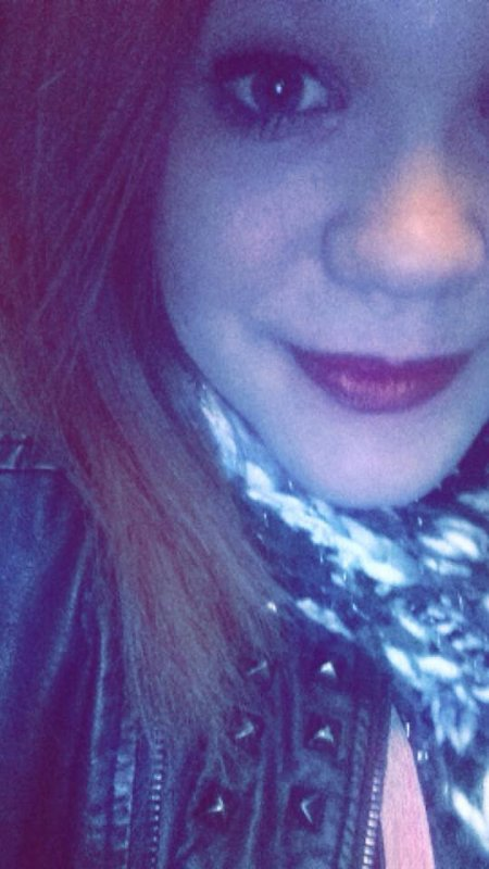 Mon sourire est aussi faux que tes sentiments..