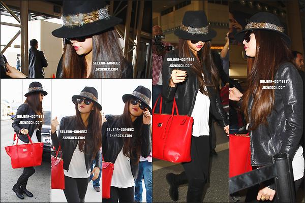 15/02/2013: Selena Gomez arrivant à l'aéroport de L.A.X à Los Angeles.