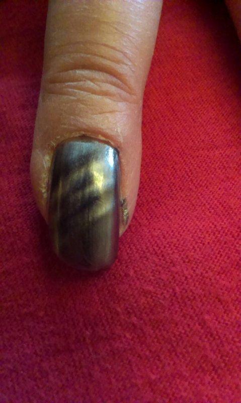 Nail art gris magnétique