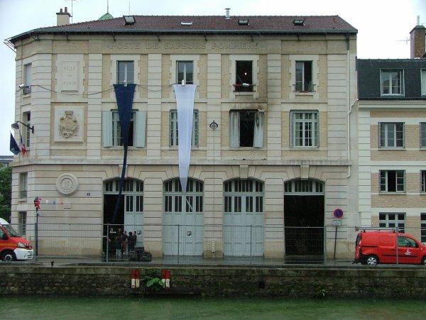 CASERNES DE POMPIERS DE PARIS : LA 10e COMPAGNIE
