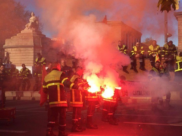 MANIFESTATION DE POMPIERS A PARIS