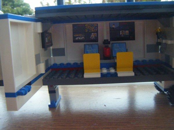 Camion pds lrd lego police graine de dessin - Lego camion police ...