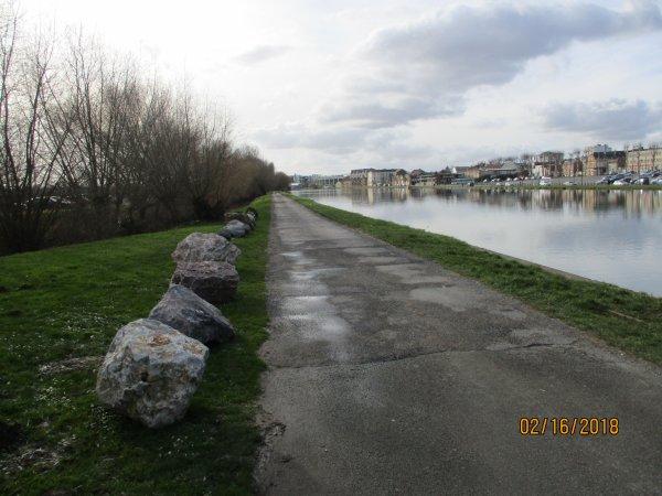 PROMENADE A PIED CHEZ MOI HIER LE LONG DU CANAL