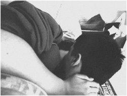 """""""Nous ne sommes jamais aussi mal protégés contre la souffrance que lorsque nous aimons."""" Freud."""
