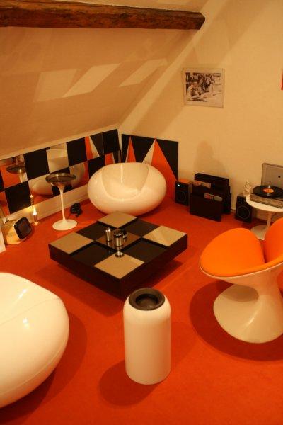 salon espace kitch design xx me. Black Bedroom Furniture Sets. Home Design Ideas
