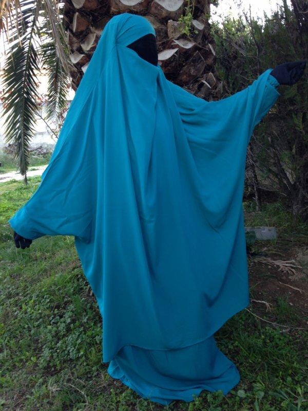 Jilbeb Sarwel ou jupe.