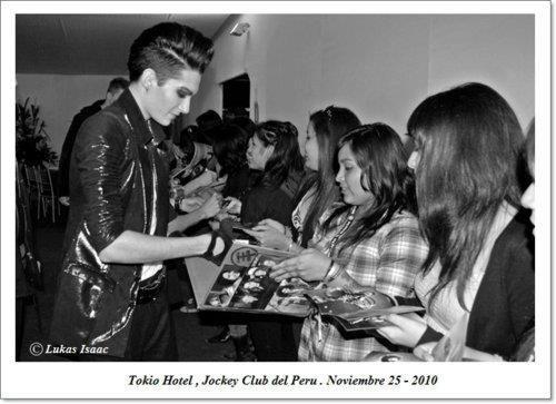 25.11.10 - Meet & Greet (Lima, Peru)