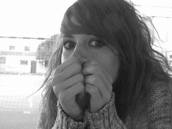 Parfois tu pleures quand tu y repenses, cette douleur tu la vie en silence ...