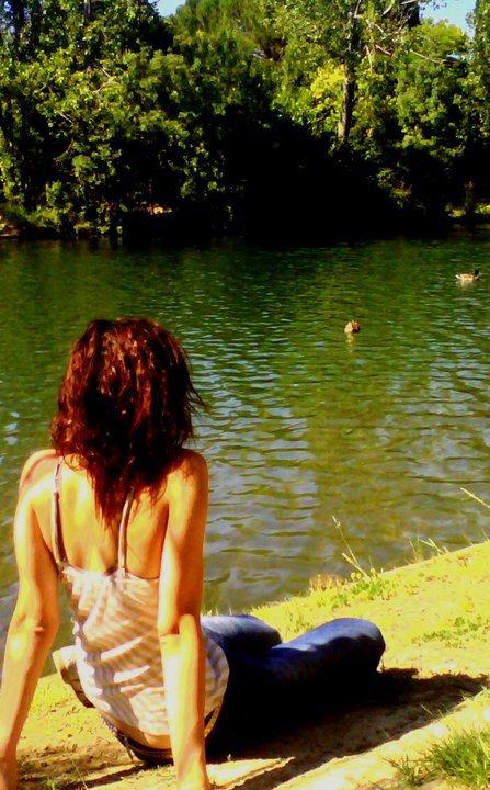 << Même sans toi je ne serais plus jamais seule, puisque tu existes quelque part ...>>