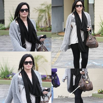 6 Avril 2011: Demi Lovato se rendant à 'Studio City' en Californie