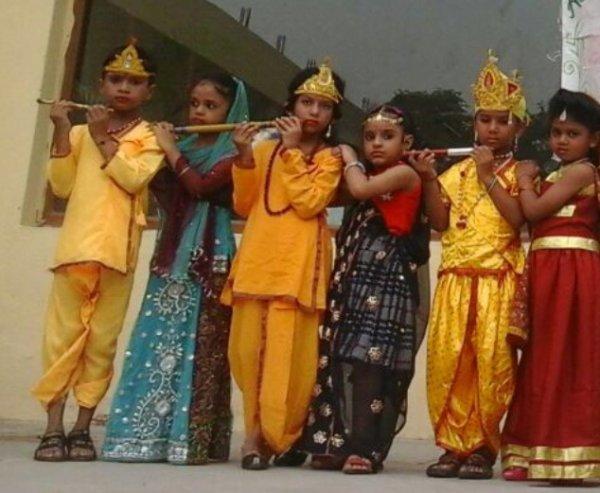 आधारशिला स्कूल में बड़े हर्षोल्लास के साथ मनाया गया जन्माष्टमी पर्व