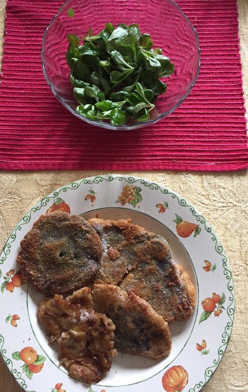 A servir avec une salade de mâche et une sauce rémoulade..........  Mit einem Feldsalat und einer Remoulade Soße zu bewirten