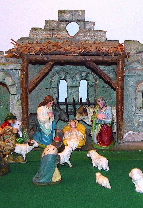 Il est né le divin enfant jouez hautbois résonnez musettes ! .........  Das göttliche Kind ist geboren, spielen sie Oboe, widerhallen sie Dudelsack!