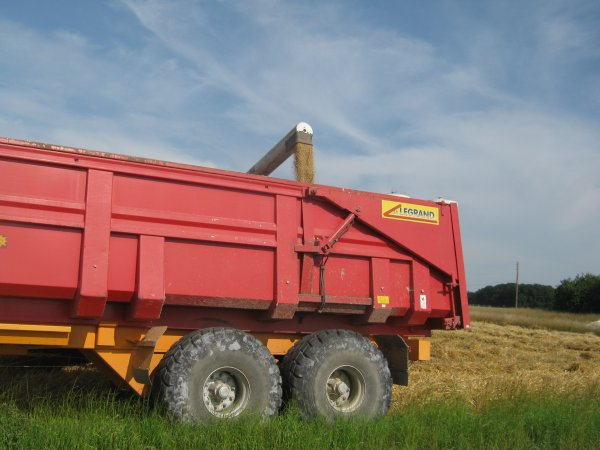 moisson 2013 sailly flibeaucourt john deere 6830 prenium et benne legrand 18 tonnes
