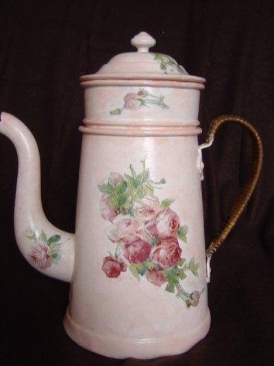 cafetiere aux roses