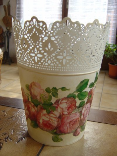 "GRAND CACHE POT""ROSE ANTIQUE"""