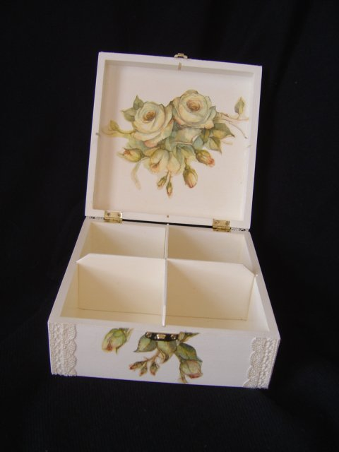 "COFFRET ""ROSE ANTIQUE"""