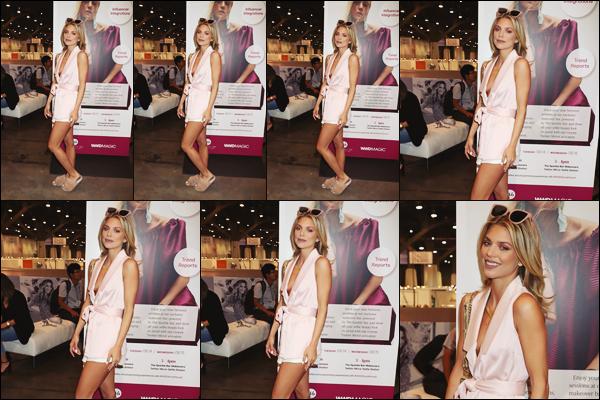 . • 14/08/18  — Annalynne McCord s'est rendue à la soirée « Magic Convention Day 2 WWD » à Las Vegas - NV..