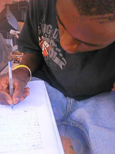 Ecrire c facil mai trouvé le bon mots c dificil