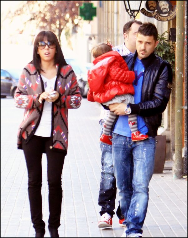 David Villa avec sa femme Patricia et ses deux filles, Zaida et Olaya; le 7 mars à Barcelone