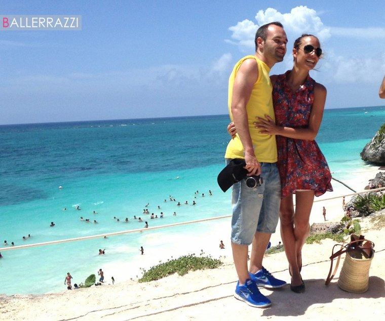 """Ana Ortiz et Andres Iniesta à Cancun + Andres à la presentation du film d'animation """"Piratas"""""""