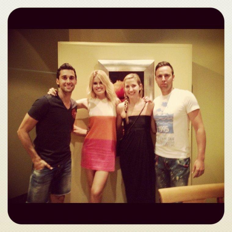 Alvaro Arbeloa et Carlota Ruiz avec 2 amis