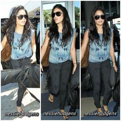 21/07/12 - Vanessa quittant sa maison avec Austin pour aller à l'aéroport de Los Angeles