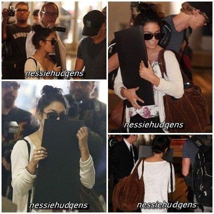 25/07/12 - Vanessa de retour à Los Angeles, elle a été vu arrivant au LAX airport avec Austin.