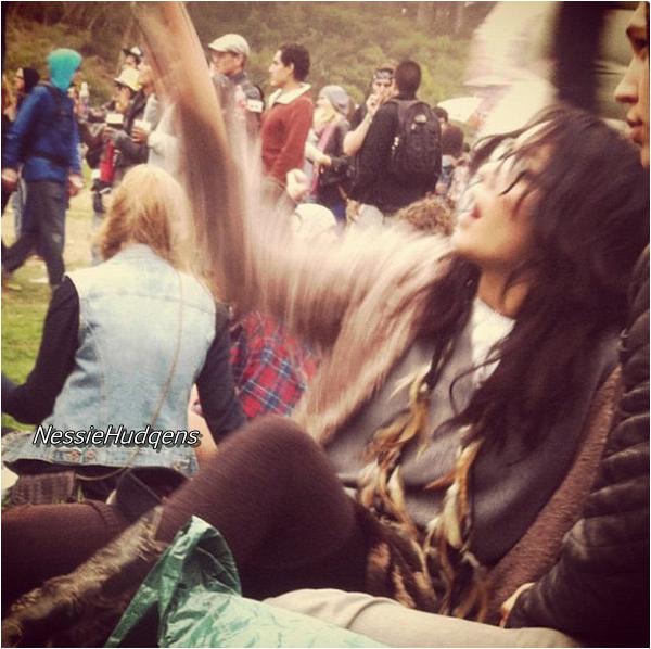 Vanessa hudgens news .. affiche de spring breaker + photos du festival :)