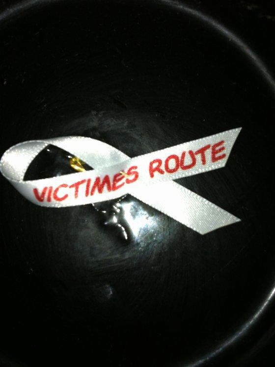 RUBAN VICTIMES ROUTE.............